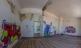 grodowy pokój z graffiti panoramą fotografia royalty free