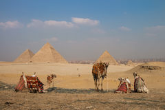 Große Pyramiden von Gizah in Kairo, Ägypten Lizenzfreies Stockbild