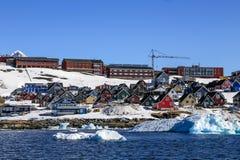 Groeiende Nuuk-stad, Nuuk Groenland stock afbeelding