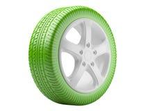 Groen autowiel. ecologisch die concept op een witte backgrou wordt geïsoleerd Stock Afbeeldingen