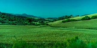 Groen, Bergen, Landbouwbedrijven en Gebieden op de rand van Ronda royalty-vrije stock foto