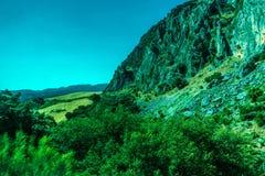 Groen, Bergen, Landbouwbedrijven en Gebieden op de rand van Ronda royalty-vrije stock afbeeldingen