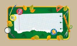 Groen bureau met schoollevering. Stock Foto