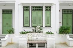 Groen deur en venster Stock Fotografie