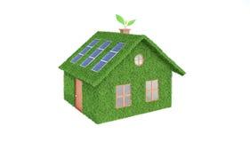 Groen die ecohuis op wit wordt geïsoleerd Royalty-vrije Stock Afbeelding