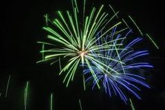 Groen en blauw vuurwerk Royalty-vrije Stock Afbeelding