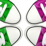 Groen en roze tennisschoenen Stock Afbeelding