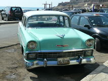 Groen en wit Chevrolet Beal Air 1957 in Lima Stock Afbeelding