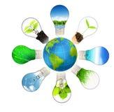 Groen energieconcept - sparen groene planeet Stock Afbeeldingen