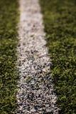 Groen graspatroon voor voetbalsport, Voetbalgebied, voetbalgebied, de textuur van de teamsport Witte streep op het Sluit omhoog Royalty-vrije Stock Afbeeldingen