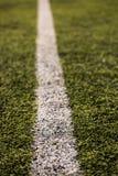 Groen graspatroon voor voetbalsport, Voetbalgebied, voetbalgebied, de textuur van de teamsport Witte streep op het Sluit omhoog Stock Afbeelding