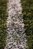 Groen graspatroon voor voetbalsport, Voetbalgebied, voetbalgebied, de textuur van de teamsport Witte streep op het Sluit omhoog Stock Afbeeldingen