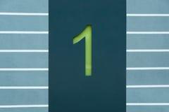 Groen het van letters voorzien nummer 1 op een benzine kleurde Teken Stock Afbeeldingen