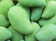 Groen mangofruit Royalty-vrije Stock Afbeeldingen