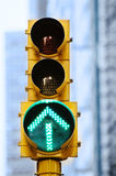 groen pijlrood licht nyc Stock Afbeelding
