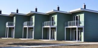 Groen terrasvormig huis Stock Afbeelding