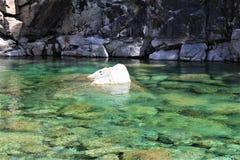 Groen water voor meditatie Stock Fotografie
