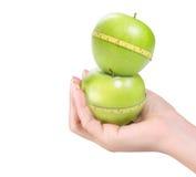 Groene appel met geïsoleerden meting Stock Foto's