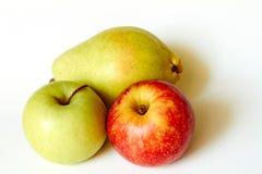Groene appel rode appel en peer stock foto's