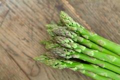 Groene asperge. stock afbeelding