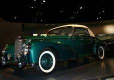 Groene auto, oud, Stock Afbeelding