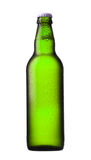Groene bierfles royalty-vrije stock afbeelding