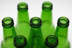 Groene bierflessen Stock Foto's