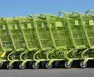 groene boodschappenwagentjes Royalty-vrije Stock Afbeeldingen