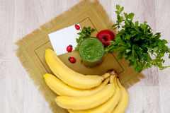 Groene cocktail van peterselie en groenten smoothies Royalty-vrije Stock Foto