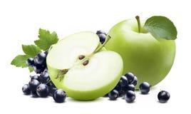 Groene die appelblackcurrant op witte achtergrond wordt geïsoleerd Stock Afbeeldingen