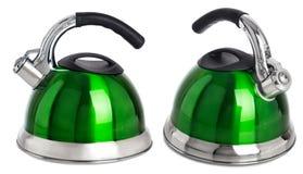 Groene die theeketel op witte achtergrond wordt geïsoleerd Royalty-vrije Stock Foto
