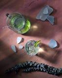 Groene Drinl op Lei stock fotografie