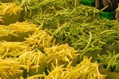 Groene en gele bonen royalty-vrije stock afbeelding