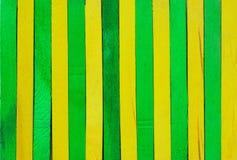 Groene en gele houten achtergrond Stock Afbeeldingen