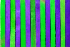 Groene en purpere houten achtergrond Royalty-vrije Stock Foto's