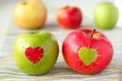 Groene en rode appel met Stock Foto