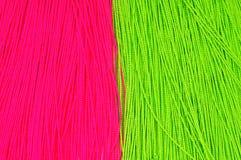 Groene en rode draadachtergrond Stock Foto