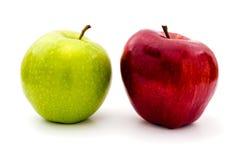 Groene en Rode geïsoleerde= appelen Royalty-vrije Stock Foto