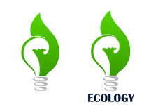 Groene energie gloeilamp met bladpictogram Royalty-vrije Stock Foto