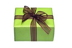 Groene giftdoos op witte achtergrond royalty-vrije stock foto's