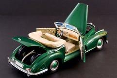 Groene gladde klassieke luxeauto Stock Fotografie