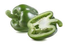 Groene groene paprika half horizontale 3 geïsoleerd op wit Royalty-vrije Stock Foto