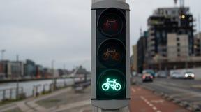 Groene kleur bij de verkeerslichten stock afbeelding