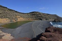 Groene Lagune op Lanzarote, de Canarische Eilanden Royalty-vrije Stock Foto's