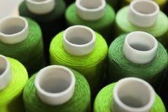 Groene naaiende draden Royalty-vrije Stock Foto's