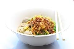 Groene noedel met Thaise kruiden Stock Fotografie