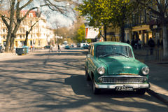 Groene oude auto Royalty-vrije Stock Foto's