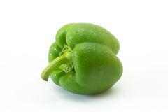 Groene paprika die op witte achtergrond wordt geïsoleerds Stock Foto