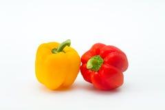 Groene paprika die op witte achtergrond wordt geïsoleerds Royalty-vrije Stock Foto's