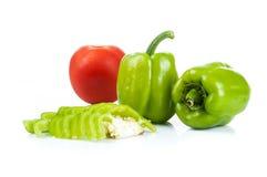 Groene paprika en tomaat Royalty-vrije Stock Foto's